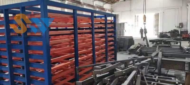 调试好的板材存储货架 (3)