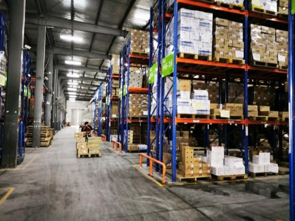 6种去除仓储重型货架异味的方法,横梁货架厂家告诉你