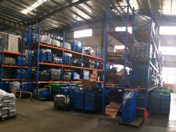 仓储重型货架弯曲的原因有哪些?重型货架厂家为您解析