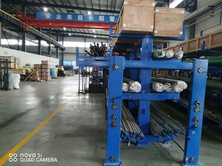 森沃仓储:伸缩式 悬臂货架案例现场 2