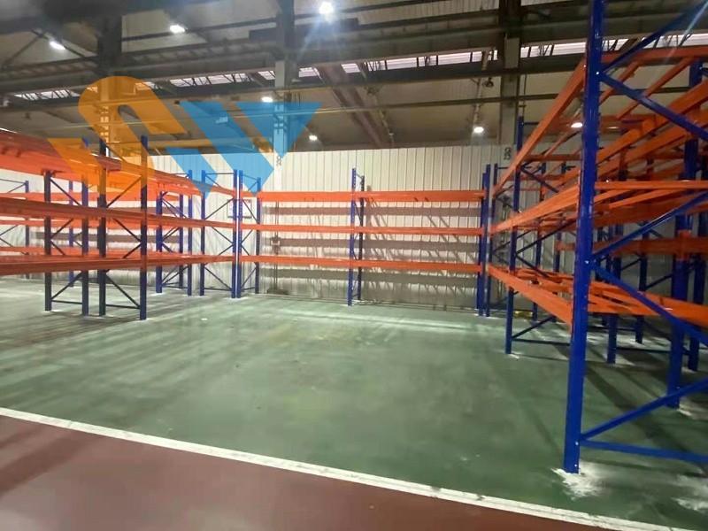 森沃仓储重型横梁式货架安装现场