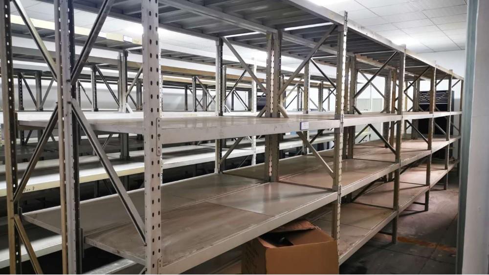 南京货架厂邀您欣赏:中型层板货架定做案例