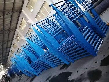 工厂中的巧固架 (2)