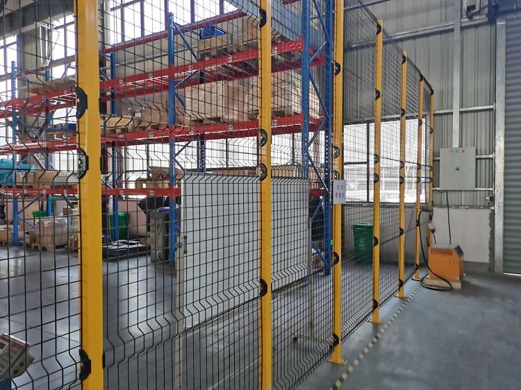 横梁货架与隔离网案例回访现场 (2)