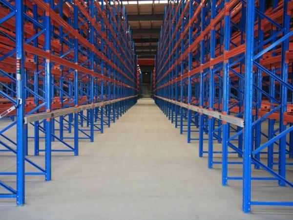 货架生产厂家带你了解:化工行业适用于什么类型的仓储重型货架
