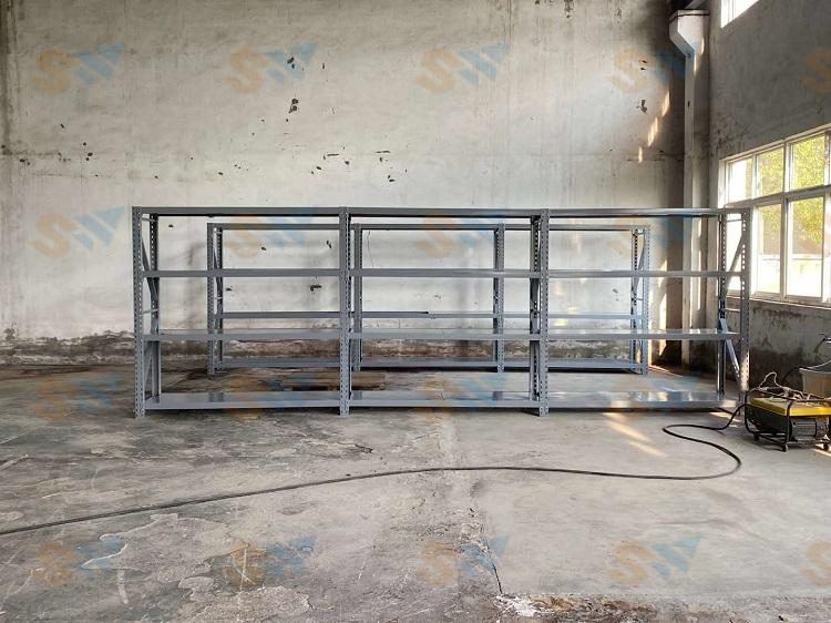 森沃仓储:层板货架现场