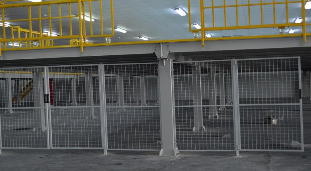 隔离网项目安装完成,仓储货架厂家为您分享