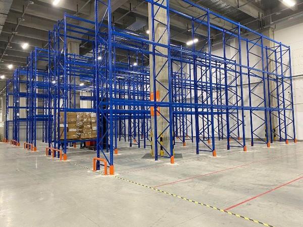 南京货架生产厂家阐述:高位货架的优势与安全隐患
