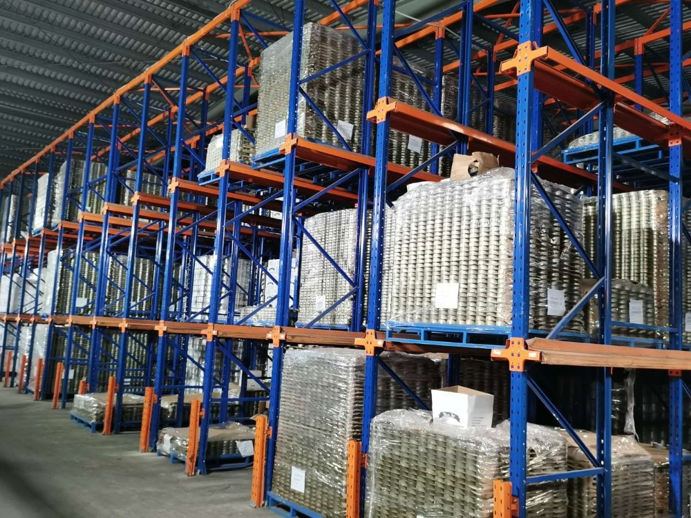 某大型食品行业贯通货架订制案例展示