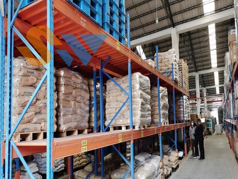 森沃仓储:重型层板货架定制案例现场 (2)