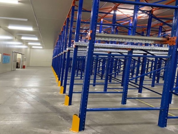 仓储货架厂带你了解4种常见的密集型重型货架