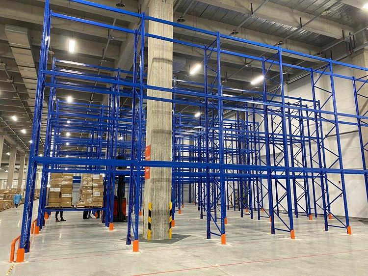 森沃仓储:三立柱高位货架验收现场 (3)