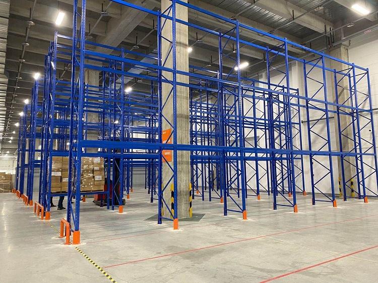 森沃仓储:三立柱高位货架验收现场 (1)