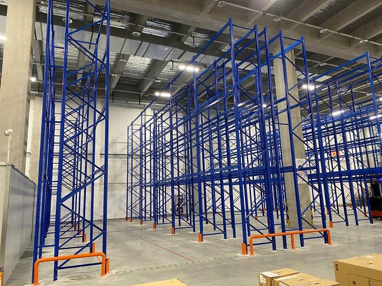 森沃仓储:三立柱高位货架验收现场 (2)